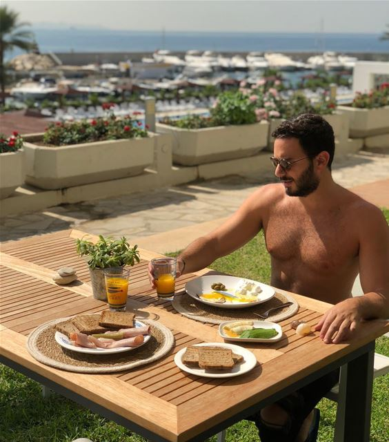 Breakfast of Champs✨  BreakfastWithChris 🤣 ExploreWithChris.. lebanon... (Aqua Marina 2)