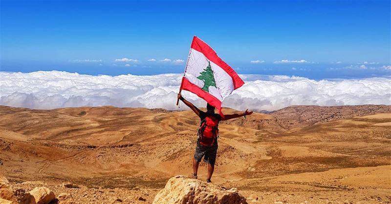 الوطن، ليس أرضاً نعيش عليها، ولكن هو كيان يعيش فينا، ويوم الاستقلال ليس كبا (Qurnat as Sawda')