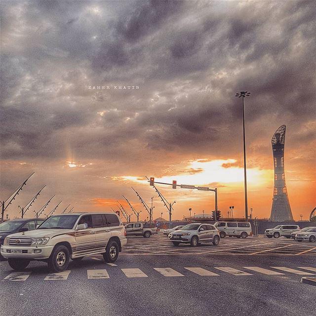 كلُّ شيء لك: صلاة النهار،حرُّ الليل الأرِق،والأبيضُ من سرب أشعاري،والأزر (Doha)