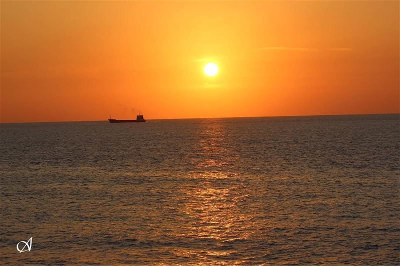 sunset sun sky cloud reflection sea water ship transportation ... (Rmeileh)