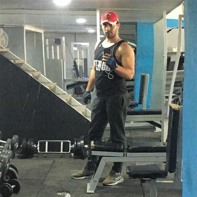 Это только начала 💪🏻. тренировка бицуха бицепс fitness training ...