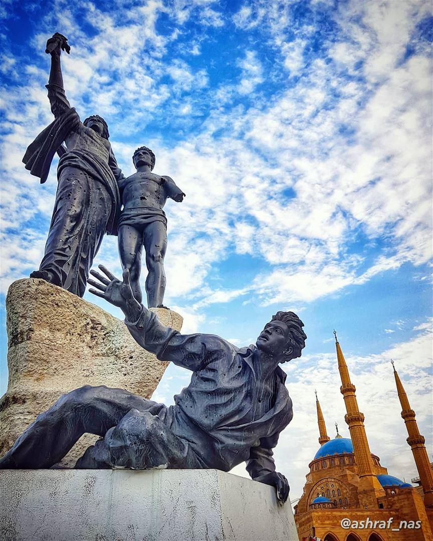 بمجدك إحتميتبترابك الجنّة...عَ إسمك غنّيتعَ إسمك رح غنّي... statue ... (Beirut, Lebanon)