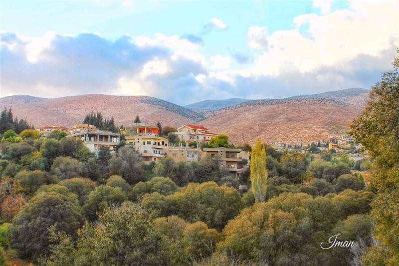 autumn🍁 vibes by @imantaha77 hermel hermel_city bekaa ... (El Hermel, Béqaa, Lebanon)