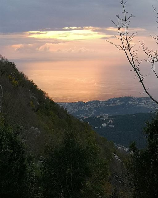 lebanon mountlebanon nature hiking hunting view sunset trees mountains... (Eghbé, Mont-Liban, Lebanon)