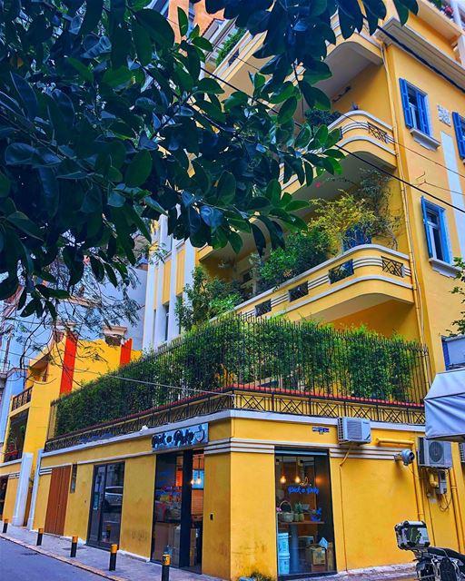 Beirut corners 🇱🇧 shotoniphone architecture yellow beirut lebanon ... (Beirut, Lebanon)