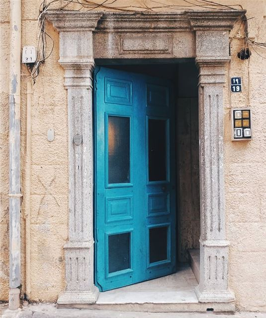 Open doors, open opportunities..... doorsofinstagram door doors ... (El Mîna, Liban-Nord, Lebanon)