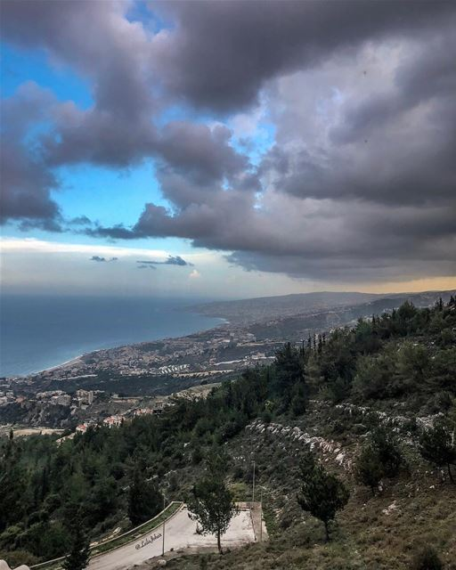motherearth myescape serenity wearelebanon livelovelebanon ... (Adma, Mont-Liban, Lebanon)