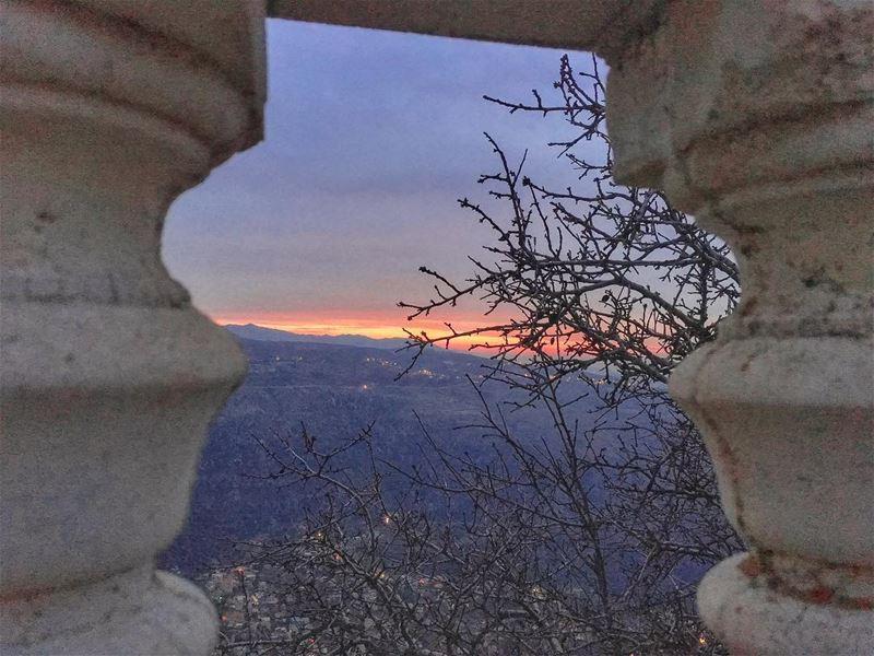 ✨𝚃𝚑𝚎 𝚃𝚑𝚒𝚗 𝚁𝚎𝚍 𝙻𝚒𝚗𝚎✨... (Qanat Bakish, Mont-Liban, Lebanon)