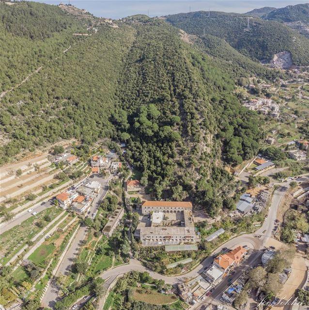 Mountain's history 🇱🇧......... lebanon ig_lebanon ...