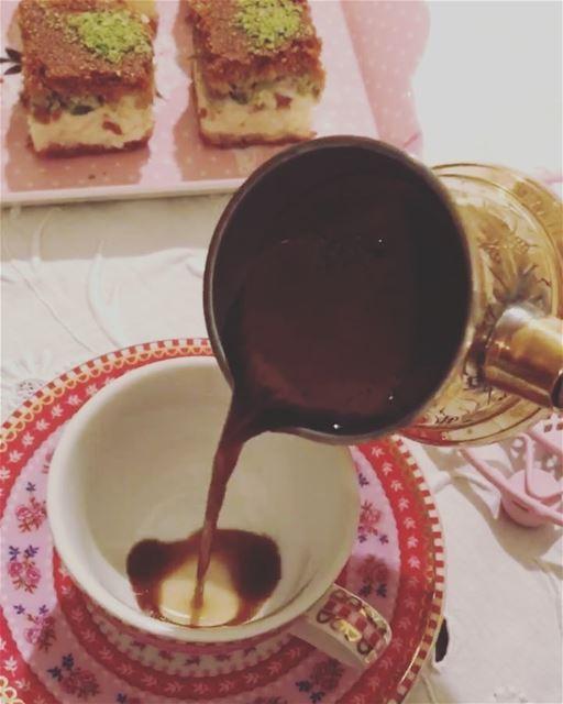 في قهوة ع مفرق في موقدة وفي نار نبقى انا_وحبيبي..... ramramcoffee ...