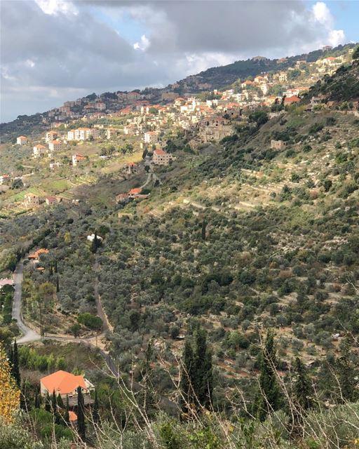 Checking out the scene. lebanese villages visitlebanon livelovelebanon... (Beiteddine)