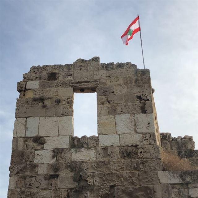 🇱🇧 Puerto de Byblos. Grabado con el teléfono. Lebanon Travel Mar ... (Byblos - Jbeil)