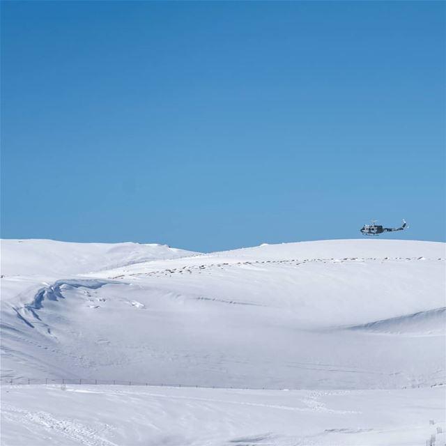 Going ⬆️or⬇️ ?❄🚁••• snowmountain winterseason landscapephoto ... (Lebanon)