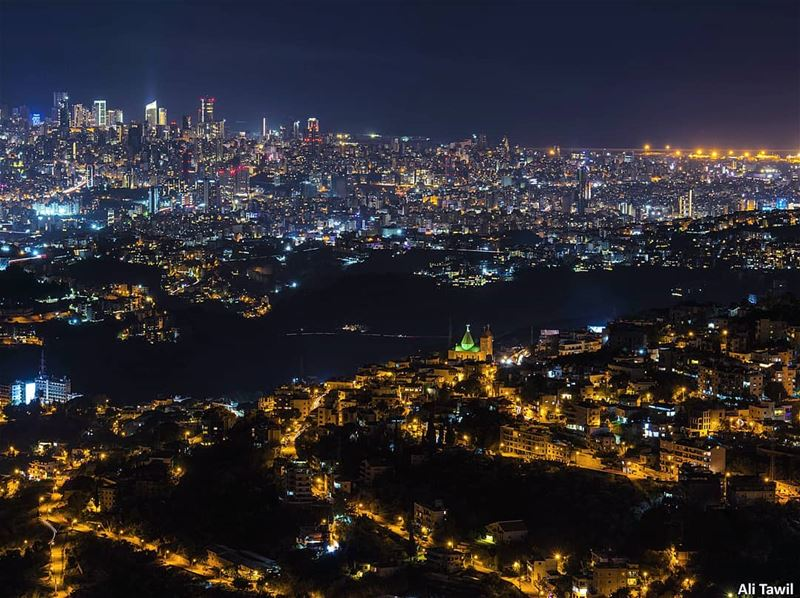 Beirut city lights from Aley 🏙 longexposure longexposhots citylife ... (Aley)