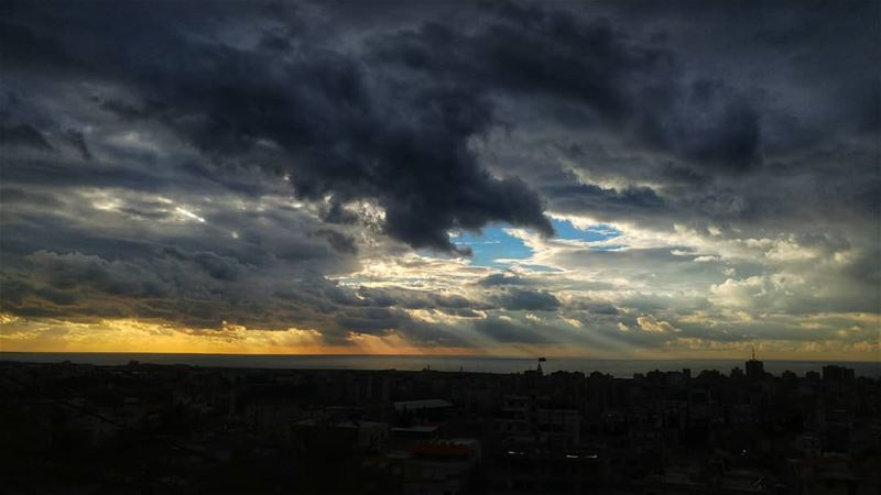 Beautiful SUNSETS need CLOUDY skies ⛅........ insta_lebanon ... (Saïda, Al Janub, Lebanon)