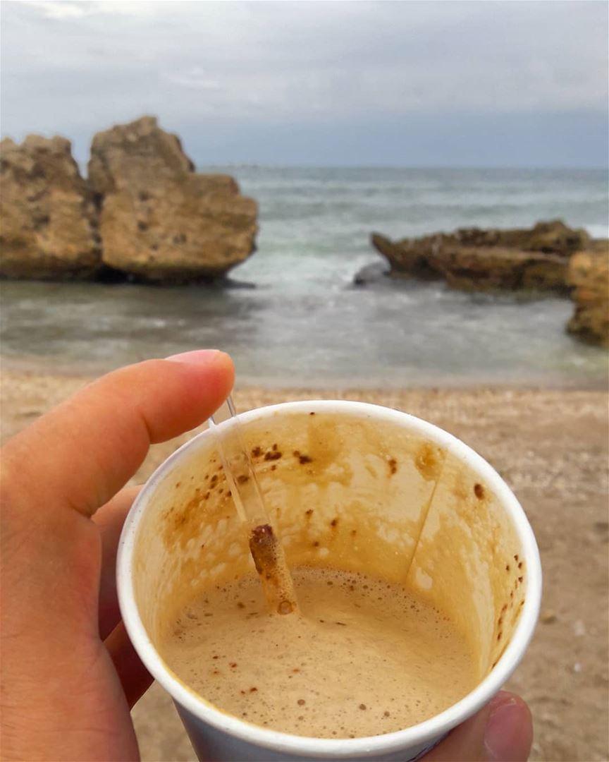 Warm drink in a windy day ☕......... tripoli elmina mina ... (El-Mina, Tripoli, Lebanon)