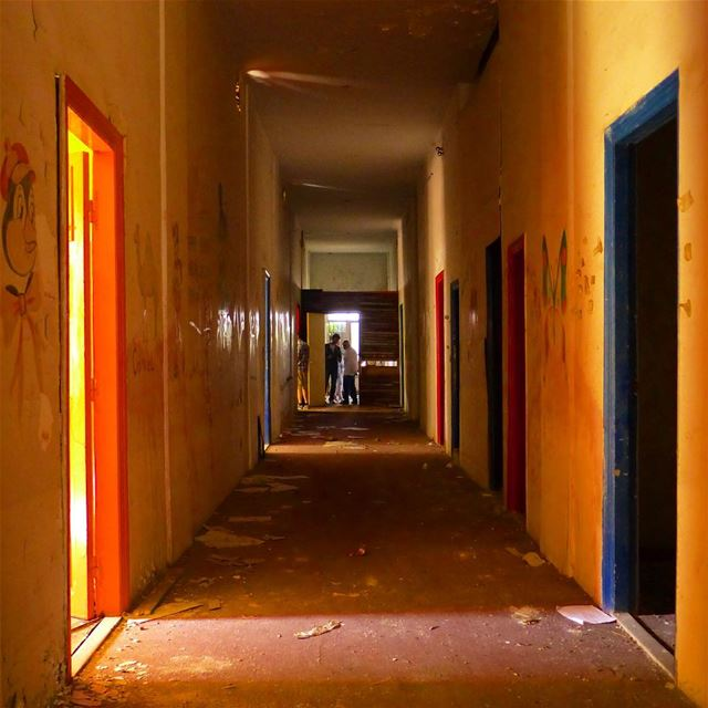 The colors of lights.... and what remains from the Gebeily Hotel in Aley.... (Alley, Mont-Liban, Lebanon)