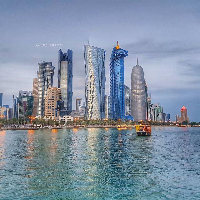 نصف شربة لن تروي ظمأك، ونصف وجبة لن تشبع جوعك،نصف طريق لن يوصلك إلى أي مكان (Doha Corniche)