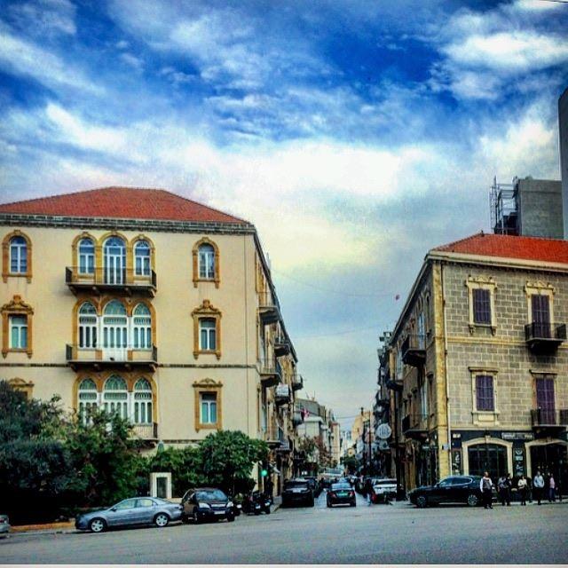 🏡🏡💙🧡💚 cityphotography architecture lebanese old houses ... (Beirut, Lebanon)