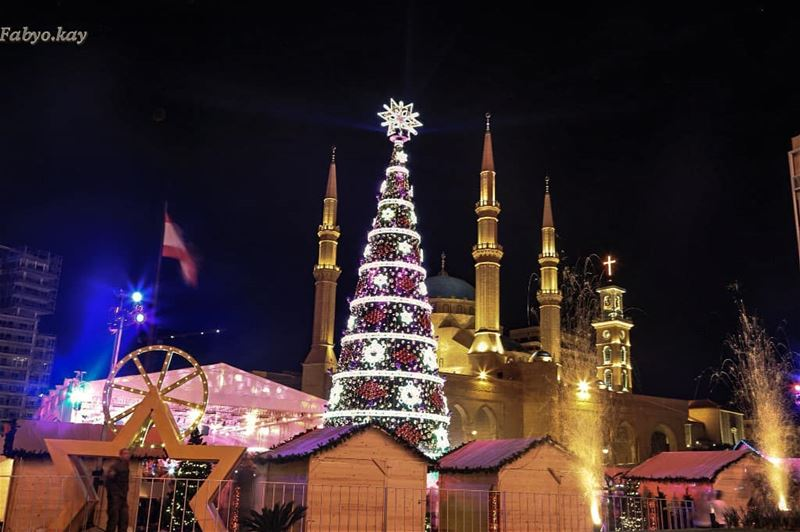 lebanon beirut christmastree xmas christmasdecorations nightlights... (Downtown Beirut)