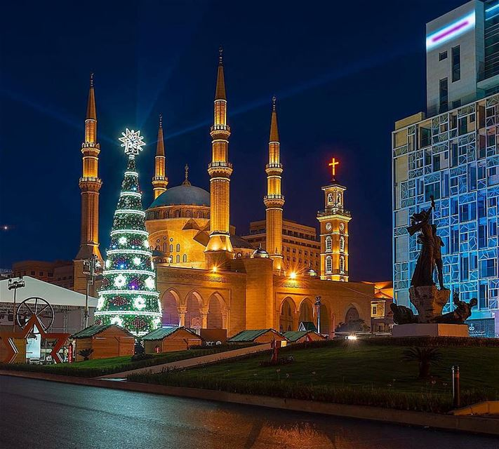 Christmas holiday christmastree lebanon beirut ... (Martyrs' Square, Beirut)