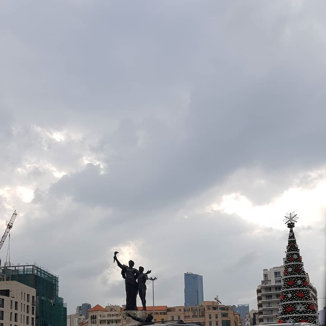 placedesmartyrs  cloudy  greyclouds  christmastree  beirut  downtown ... (Beirut, Lebanon)