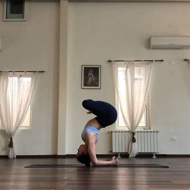 Sitting in stillness upside down... my kind of meditation 🧘🏽‍♀️🙃We... (Sarvam Yoga)