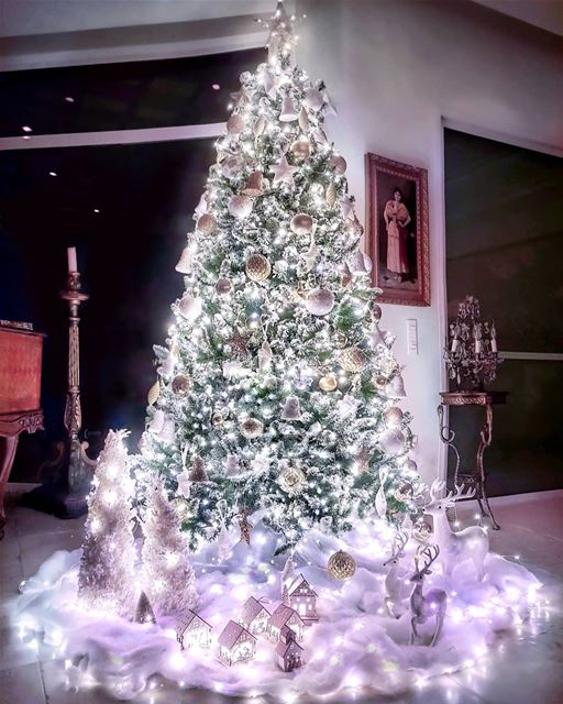 Believe in the magic of Christmas...💖🎄💖..I did this tree as a... (Ballouneh, Mont-Liban, Lebanon)