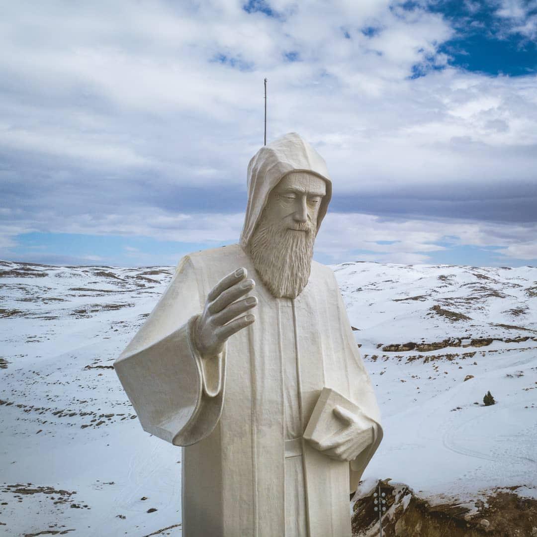 Blessed Sunday🙏🏻••• snowmountain winterseason landscapephoto ... (Saint Charbel-Faraya)