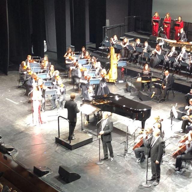 ليلة حلم رحبانية. ... rahbani lebanese lebanon dubai dubaiopera fairouz... (Dubai Opera)