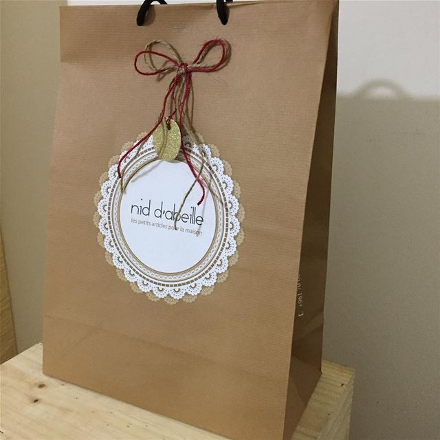Wrapping Christmas gifts 🌲Write it on fabric by nid d'abeille ...
