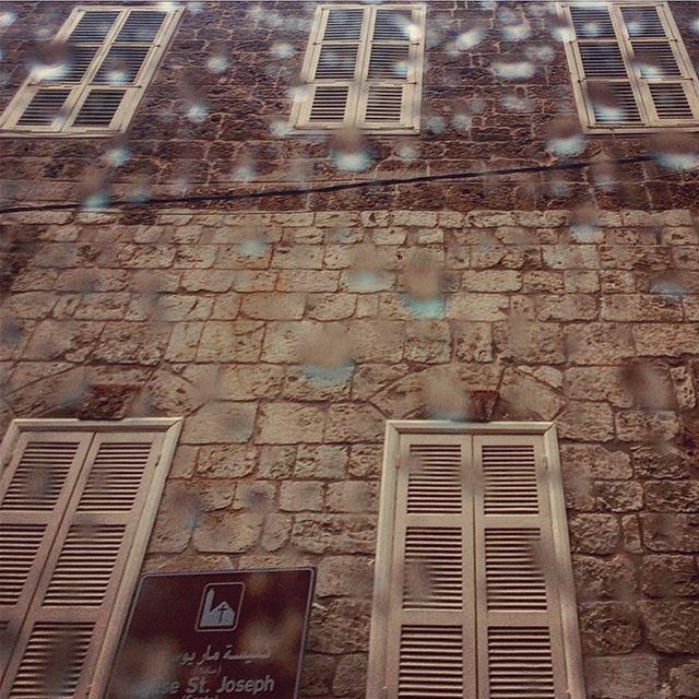 Old Beirut under the rain🏘🌧💙 streetphotography raindrops beirutcity ... (Gemmayzeh Gouraud Street)