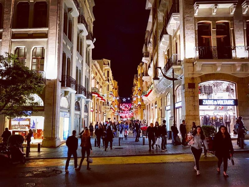 Shappings Yaaneh......... christmas  shopping  lebanese  style ... (Beirut, Lebanon)