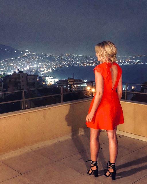 tistheseason 👱🏻♀️👠🎄💚 stevemadden stevemaddenlebanon... (Lebanon)
