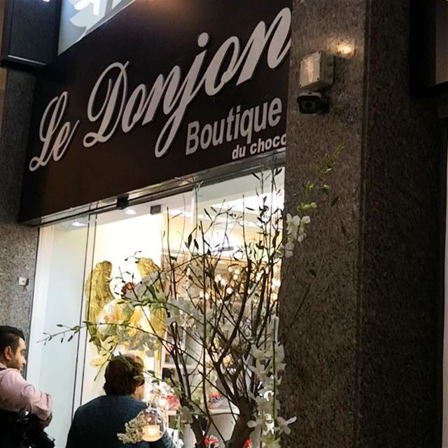 Le donjon chocolat is in z town @le.donjon chocolat chocolate sweet ... (Rue Verdun)