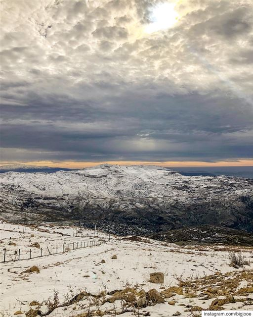 The eye of the storm! shotoniphone ..... natgeoshot  natgeotravelpic... (Baskinta, Lebanon)
