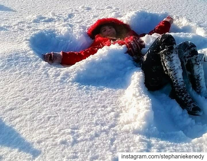 Let's make Snow Angels 😇❄ snow snowboarding angel snowangel funtimes... (La Reserve Horsh Ehden)