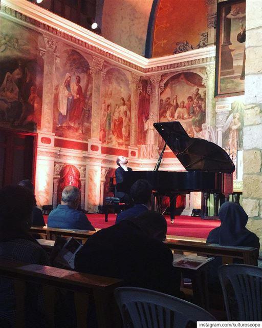 'Estampes & Tableaux' par @francoisdumont.piano aux @lesmusicalesdebaabdath (Baabdâte, Mont-Liban, Lebanon)