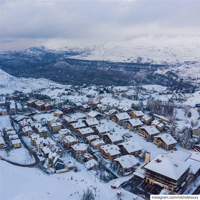 White paradise.... Lebanon AboveLebanon moodygrams dji Kdrone ... (Faraya, Mont-Liban, Lebanon)