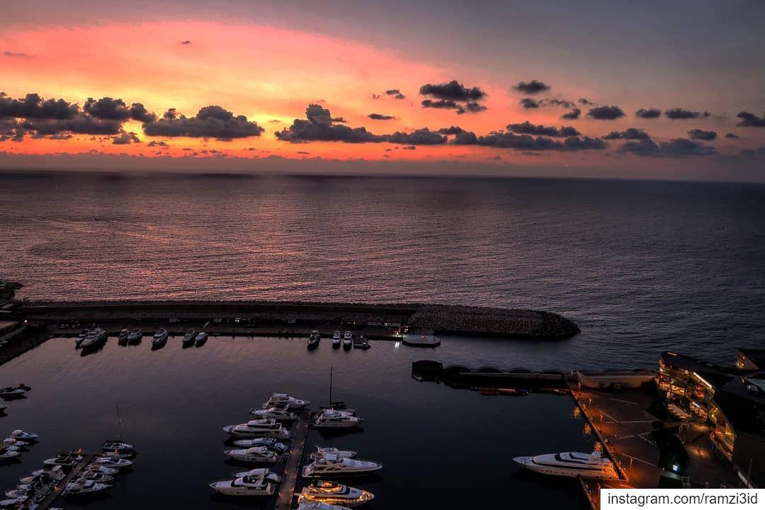 August 2018 sunset . sunrays sunseteffect sunsetlovers sunset ...