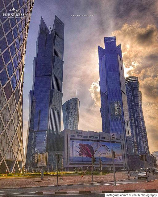 الحُفاة جعلوا الطريقَ إليكَ متاهاً والحزانى أنفقوا الصلوات وما قرَّب الدعاء (Doha)