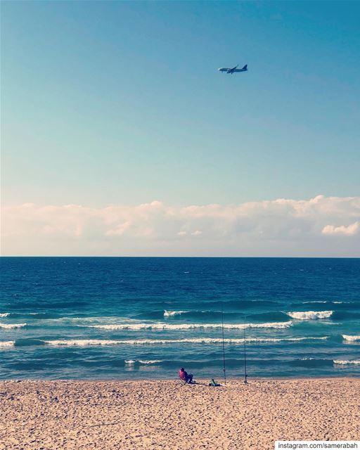 ما بين السماء والارض........ sea shore fishing airplane ... (الرملة البيضاء)