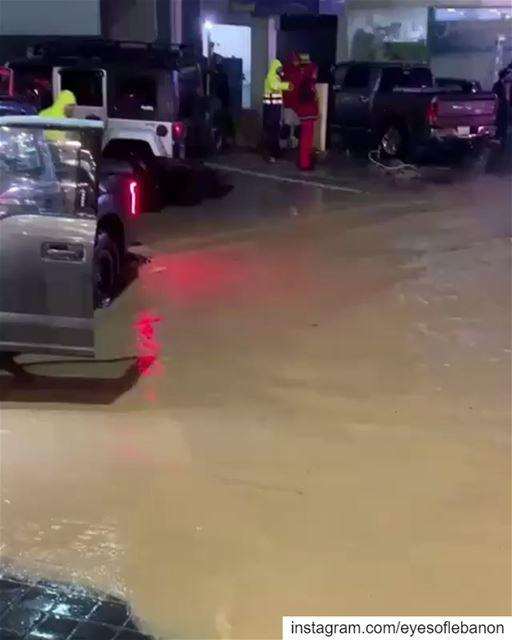 Sylvio Chiha at Dbayeh 😀 lebanon dbayeh beirut rainyday highway ... (Dbayeh, Mont-Liban, Lebanon)