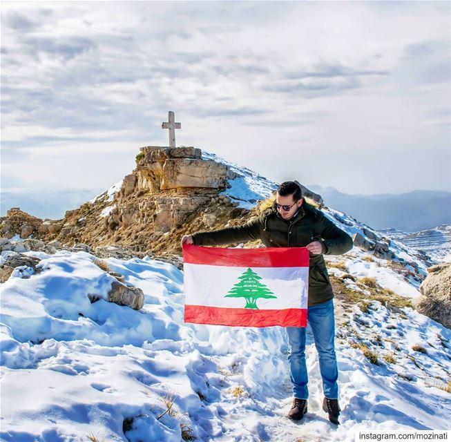 اسمك غنيت ع اسمك رح غنيركعت و صليت و السما تسمع منيعتلالك عجبالك ركعت و ص (Lebanon)