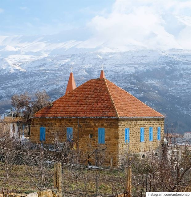 This house reminds me of when I was in grade 8, in the Fabriano classes,... (Bcharré, Liban-Nord, Lebanon)
