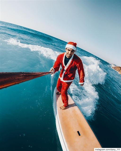 It's a sunny Christmas this year, so why not to catch some waves? Merry... (Batroûn)