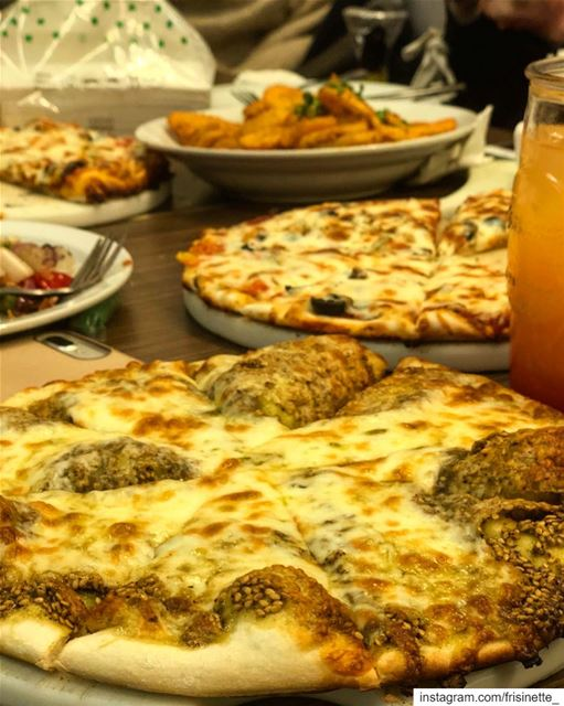 Lebanese Vibe 🇱🇧🇨🇦 lebanesebreakfast manakish zaatar jebneh food ... (Lylac)
