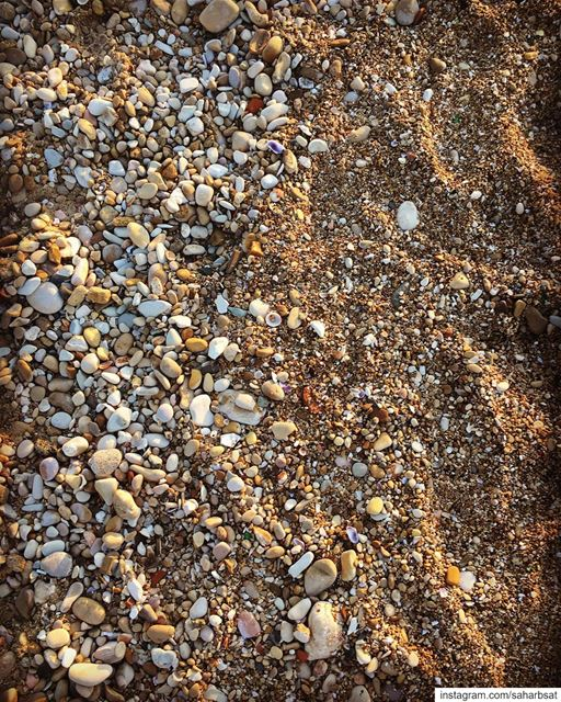 My kinda Art ... art beach sand sandbeach pebblebeach pebbles ... (Saïda, Al Janub, Lebanon)