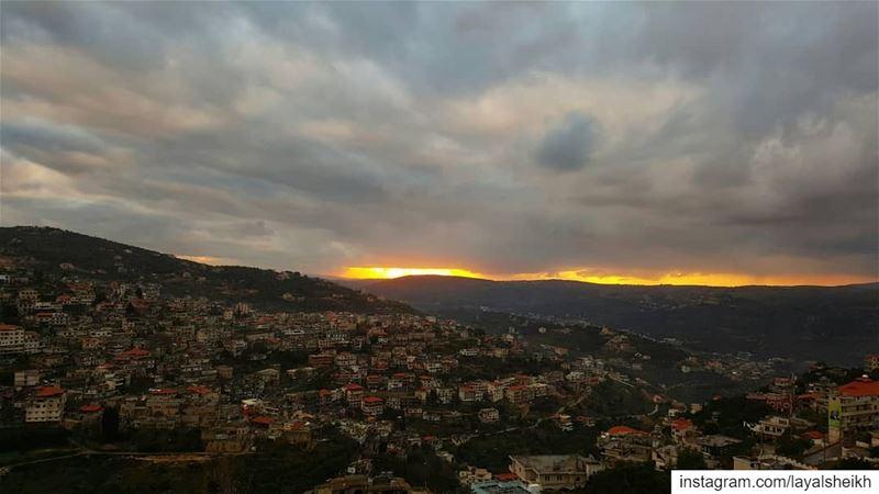 hasbaya hasbayatown hasbayapictures sunset sunsetlover ... (Hasbayya, Al Janub, Lebanon)
