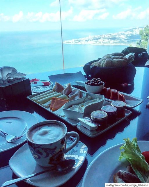 Breakfast time 🥐🍳☕️🍞 GoodMorningLebanon  BreakfastWithAView ... (Bay Lodge)
